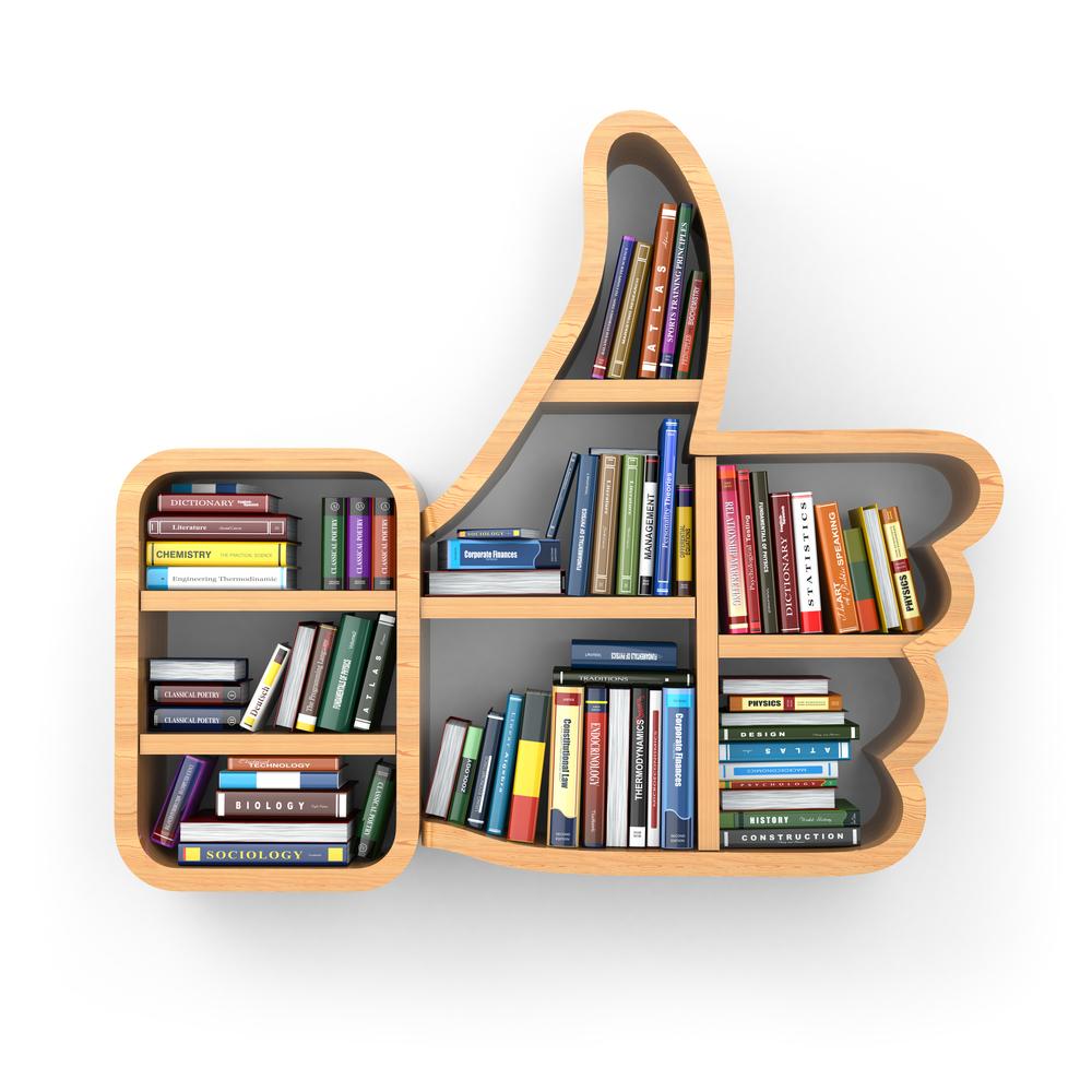 Estante de livros, com livros, em formato do símbolo de Like.